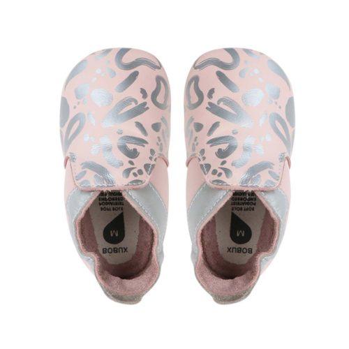 נעלי טרום הליכה ורוד עם מריחות צבע כסף