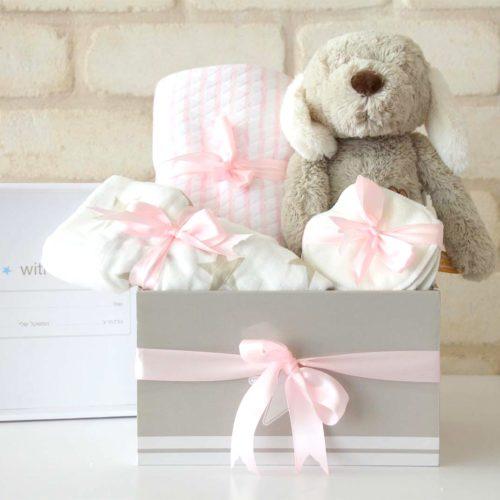 מתנה לאם ולתינוקת